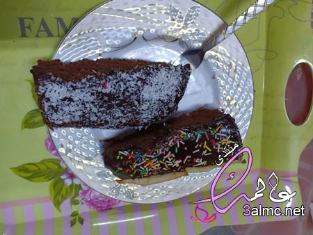 طريقة عمل جاتو شوكولا، طريقة عمل كيكة الشيكولاتة السايحة بالصور، كيكة شوكولاته بالصوص سهله