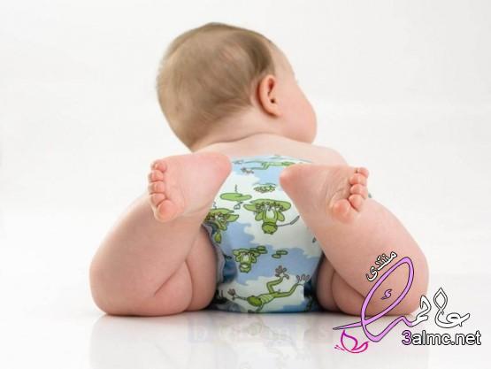 كل شيء عن البراز عند الرضع
