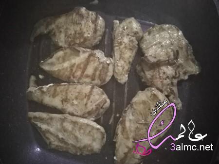 طريقة عمل صدور الدجاج بطريقة لذيذة، طريقة عمل صدور الفراخ البانيه،طريقة جديدة لعمل شرائح الدجاج